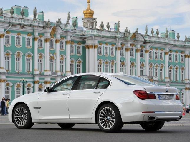 Основные признаки того, что пневмоподвеска BMW 7 series F01 F02 F04 требует ремонта